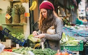 Ma stratégie pour manger plus, perdre tes kilos en trop et réduire ta facture d'épicerie!